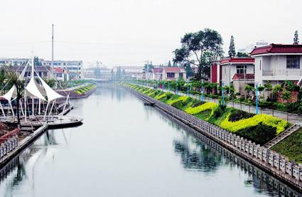 海安境内的通扬河,洋港河,小焦港河,翻身河是海安城区四大内河,全长10
