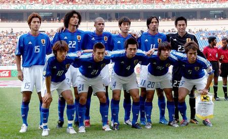 本迎战伊朗新华社照片,重庆,2004年7月28日[亚洲杯]