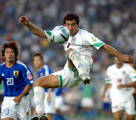 本对阵伊朗新华社照片,重庆,2004年7月28日[亚洲杯]