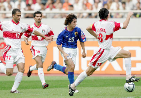 日本5 4约旦 玉田圭司在比赛中