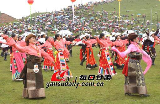 甘南第五届香巴拉旅游艺术节开幕徐青摄(图)