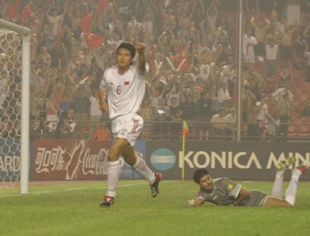 图文:亚洲杯半决赛中国vs伊朗 佳一剑指决赛