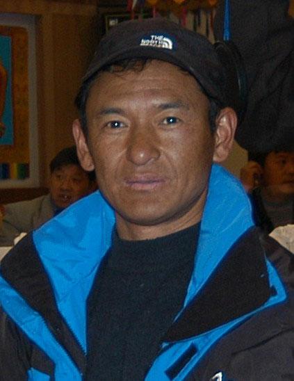 藏队英雄志――边巴扎西