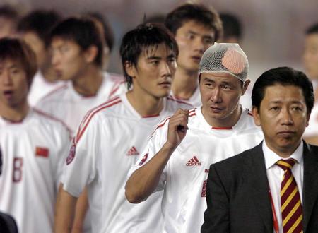 争夺亚洲杯冠军新华社照片,北京,2004年8月7日[亚洲