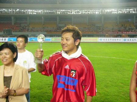 关爱儿童 远离伤害 中国明星足球队慈善晚会 210