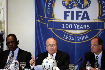 [奥运](1)国际足联在雅典举行新闻发布会