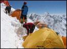 2004藏队攀登k2组图