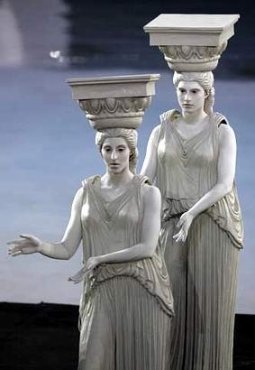 图文:雅典奥运会开幕式 古希腊女神像