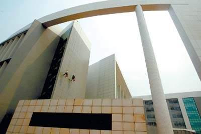 华南师范大学图书馆-今日三万广州人喜逛大学城图片