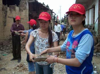 云南鲁甸灾民生活得到保障 水电路已正常(组图)