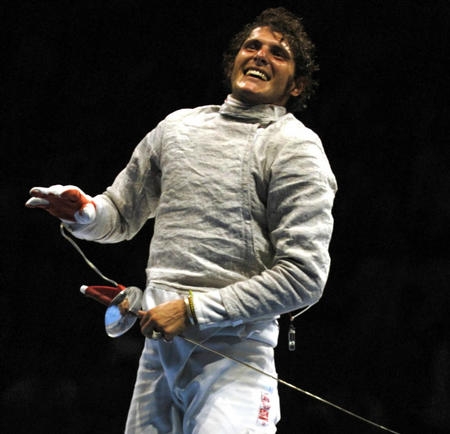 图文:奥运会击剑决出首金