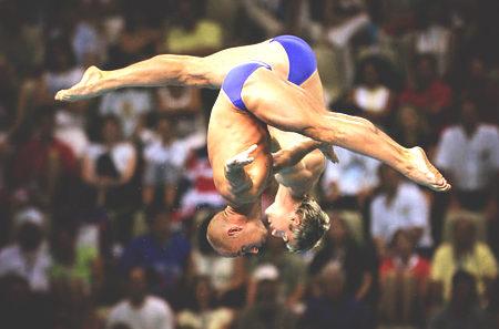 图文:男子双人十米跳台 空中的组合