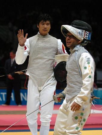图文:吴汉雄击败澳大利亚选手巴托里罗进入第三轮