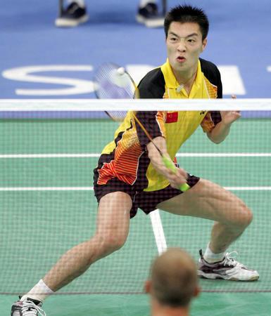 羽毛球男单 中国选手陈宏比赛中-2004雅典奥运会