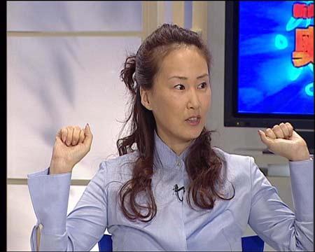 图文:做客新闻会客厅 冠军都是我们的