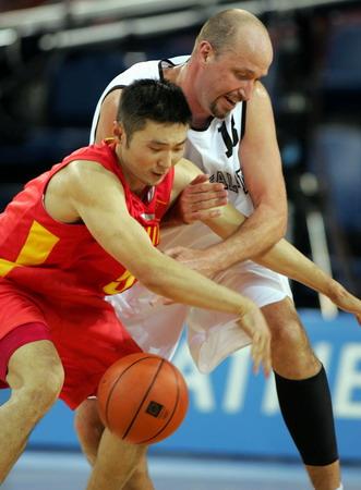 图文:中国队胜新西兰 刘伟表现一般