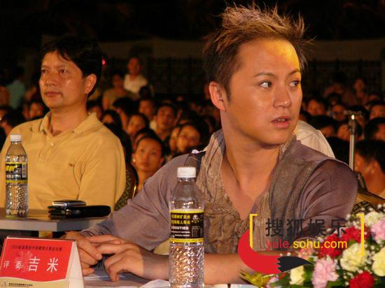 图文:2004美视模特决赛-评委吉米