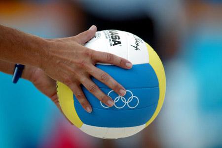 奥运沙滩排球女将 准备开球