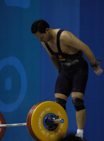 图文:男子举重77公斤级