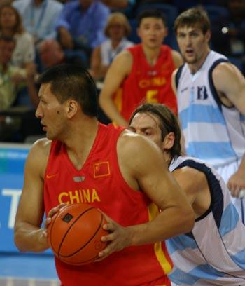 图文:中国男篮迎战阿根廷