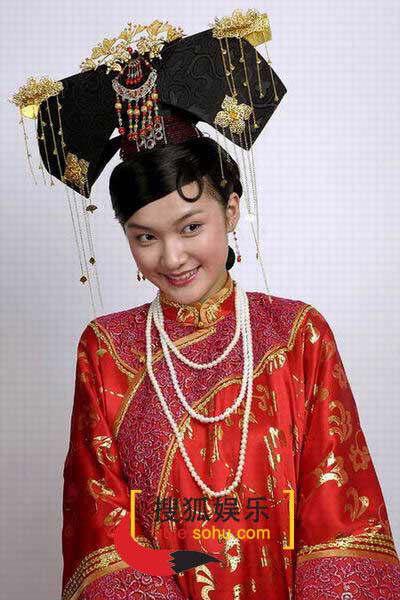 图:电视剧《烟花三月》演员定装照-张娜-05