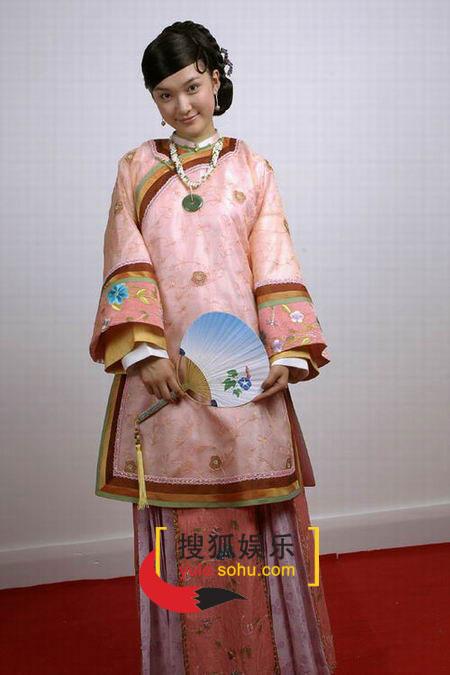 图:电视剧《烟花三月》演员定装照-张娜-04