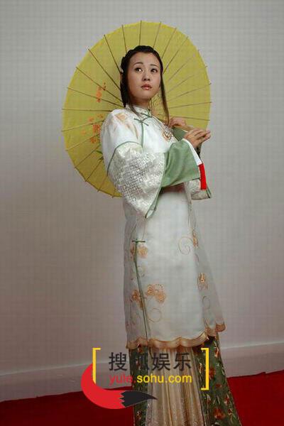 图:电视剧《烟花三月》演员定装照-郝蕾-23