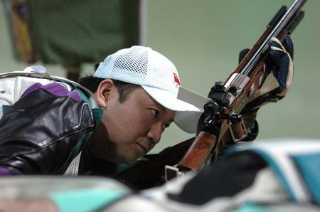 图文:男子50米步枪卧射