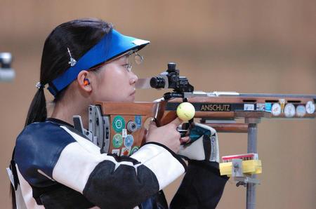 图文:射击女子50米步枪三姿