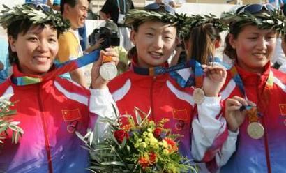 图文:女子射箭团体赛 中国队夺得银牌
