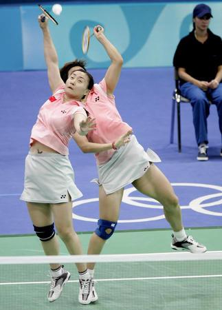 图文:羽毛球女双