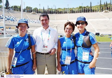 希腊体育奥运现身冠军v体育部长环法自行车赛赛场图片