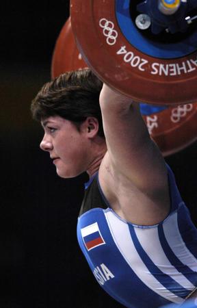 [奥运]举重�D�D俄罗斯选手创女子75公斤级抓举世界纪录