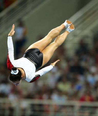 图文:蹦床女子单跳决赛 多格纳泽在决赛中