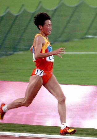 图文:田径女子5000预赛