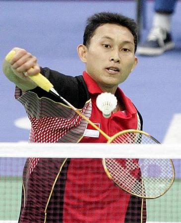 图文:羽毛球男单印尼选手获季军