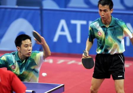 图文:兵乓球男子双打决赛 香港选手在比赛中