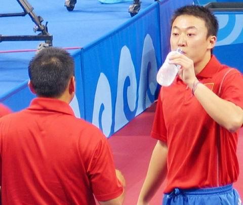 图文:乒球男双中国夺冠