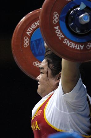 图文:举重女子75公斤以上级