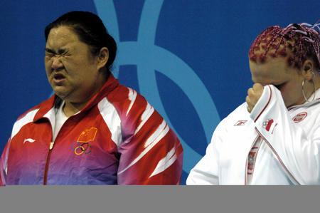 [奥运]举重�D�D汗水与泪水~~8月21日,在奥运会举重女
