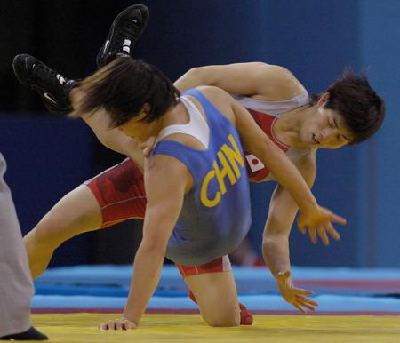 图文:女子自由式摔跤55公斤级