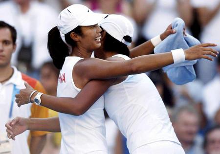 图文:网球女子双打
