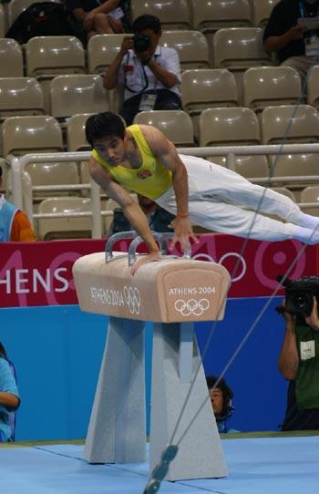 图文:奥运男子鞍马比赛