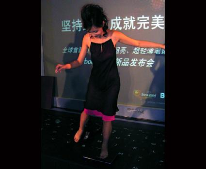 BenQ美女发布1本本美女图片裸体明星踩新品图片