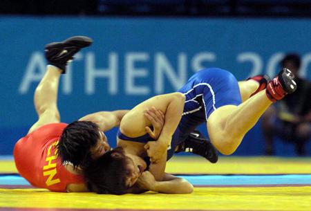 图文:摔跤女子
