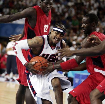 图文:美国男篮队胜安哥拉队