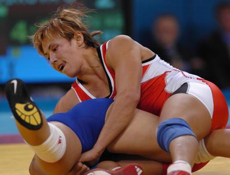 图文:女子自由式摔跤