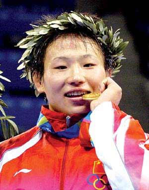 早研究透了滨口京子 北京姑娘摔出两个NO1(图)