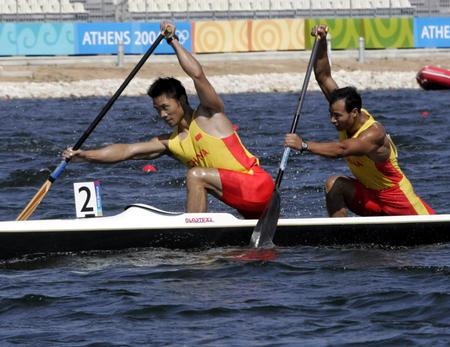 图文:奥运男子双人500米