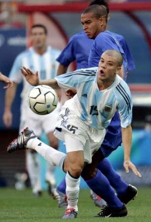 图文:阿根廷VS意大利 达里桑德罗突破对手